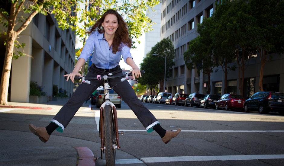 women_s_gray_bike_to_work_pants_2 menghemat uang