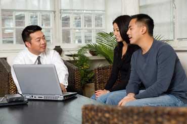 car-insurance-agent-bill 5 Peluang Bisnis Sampingan untuk Karyawan