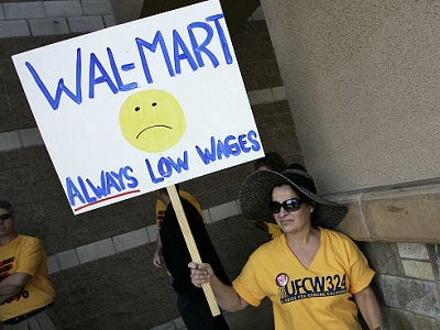 wal-mart-relies-on-taxpayers-to-subsidize-low-wages Gaji Kecil tidak sama dengan Miskin