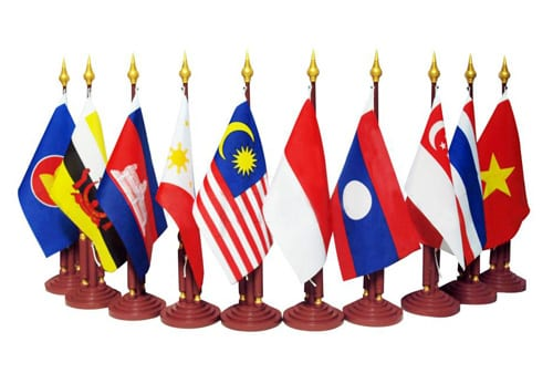 Tantangan Kelas Menengah Indonesia - Masyarakat Ekonomi ASEAN 2015 - ASEAN Economic Community 2015 - EMA 2015 - EAC 2015 - Perencana Keuangan Independen Finansialku