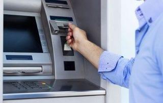 Cara Pakai Mesin ATM dan Biayanya - Perencana Keuangan Independen Finansialku