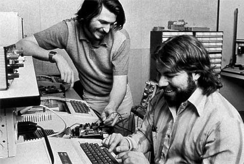 7 Pebisnis Sukses yang Memulai dari Garasi - Steve Jobs dan Wozniack - Apple - Finansialku