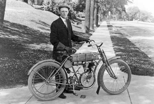 7 Pebisnis Sukses yang Memulai dari Garasi - William S. Harley – Harley Davidson - Finansialku