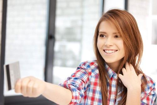 Apakah Boleh, Anak Remaja Memegang Kartu Kredit