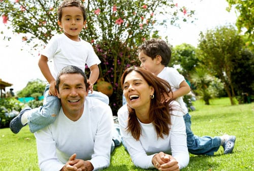 Ibu dapat Bantu Suami, Siapkan Dana Pensiun dengan 5 Cara Ini  - Perencana Keuangan Independen Finansialku