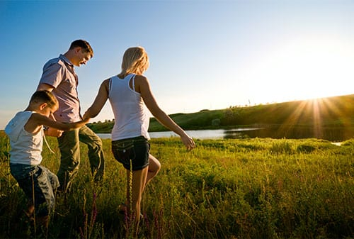 5 Manfaat jika Anda & Pasangan Kompak Mengurus Keuangan Keluarga - Finansialku