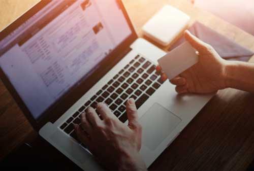 11-tips-aman-belanja-online-dengan-kartu-kredit-finansialku