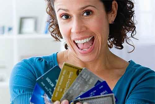 Ini 6 Cara Mengelola Kartu Kredit untuk Ibu Rumah Tangga - Finansialku