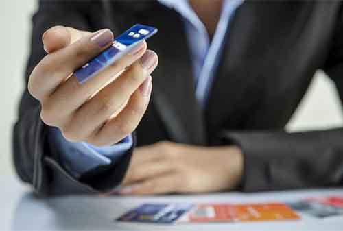 Apakah Benar Pakai Kartu Kredit untuk Modal Usaha atau Bisnis - Finansialku