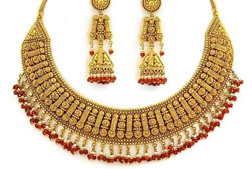 Moms, Sudah Tahu Untung Ruginya Investasi Perhiasan Emas 1 - Finansialku