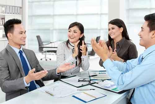 Beradaptasi di Tempat Kerja Baru agar Disukai Rekan Kerja 1 - Finansialku