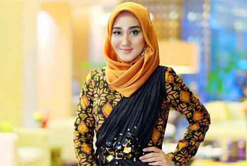 Kisah Sukses Dian Pelangi, Pebisnis Hijab Berusia Muda - Finansialku