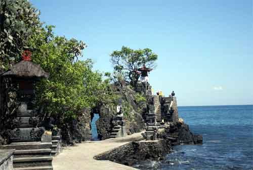 Tempat Liburan ke Bali dan Lombok, I Love It! 10 - Finansialku
