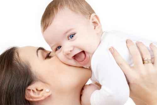 10 Barang yang Dibutuhkan Orang Tua Baru Saat Menyambut Kehadiran Bayi 01 - Finansialku