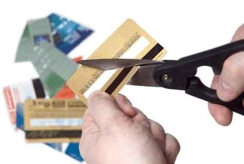 Bagaimana Cara Menghilangkan Biaya Tambahan Kartu Kredit 1 - Finansialku