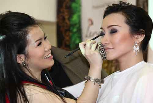 Ingin Memulai Karier MUA (Make Up Artist) dengan Modal KTA Ini Cara Mengatur Keuangannya 1 - Finansialku
