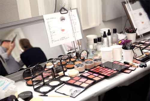 Ingin Memulai Karier MUA (Make Up Artist) dengan Modal KTA Ini Cara Mengatur Keuangannya 2 - Finansialku