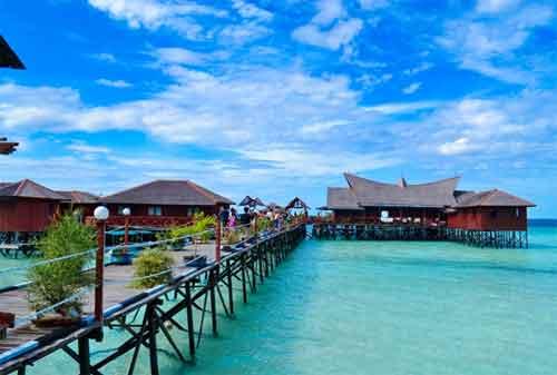 Life Goal! Kunjungi 5 Pulau Terindah di Indonesia Sebelum Ajal Memanggil 03 - Finansialku