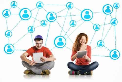 Manfaat Penggunaan Media Sosial untuk Karier Anda