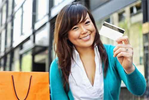 Moms, Ini 8 Kesalahan yang Harus Dihindari saat Pakai Kartu Kredit