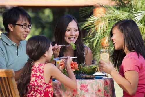 Moms, Ini Cara Hemat Keluar Uang untuk Makan di Resto 02 - Finansialku