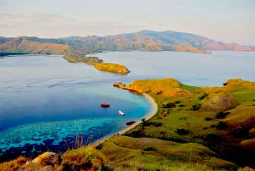 Wisata Pulau Komodo Yang Dilirik Wisatawan Lokal Maupun Wisatawan Mancanegara 04 - Finansialku