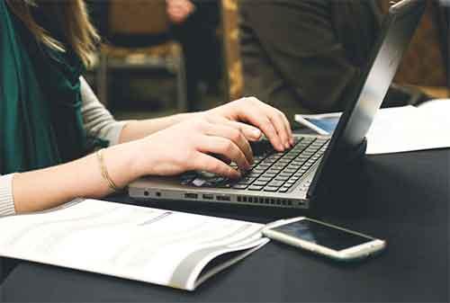 Bisnis yang Menguntungkan Sebagai Blogger Ini Model Bisnisnya dan Berapa Keuntungannya 2 - Finansialku