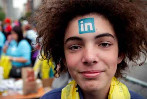 Membuat Profil LinkedIn Tampak Profesional dan Dilirik Para Pencari Kerja untuk Karyawan dan Fresh Graduate 02 - Finansialku