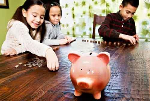 Tips dan Trik Mengajarkan Anak Jadi Hemat dan Tidak Boros 02 - Finansialku