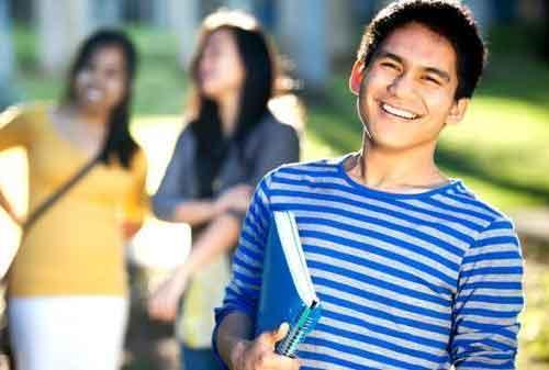 Mahasiswa, Coba Cari Tambahan Uang dengan Kuliah Sambil Kerja 01 - Finansialku