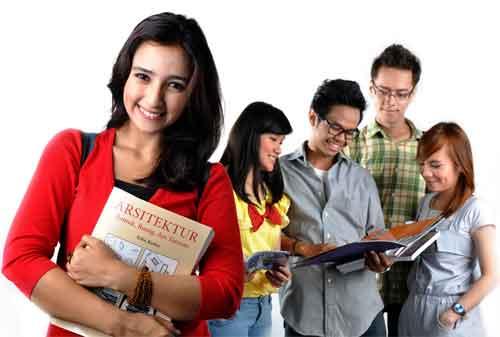 Mahasiswa, Coba Cari Tambahan Uang dengan Kuliah Sambil Kerja 02 - Finansialku
