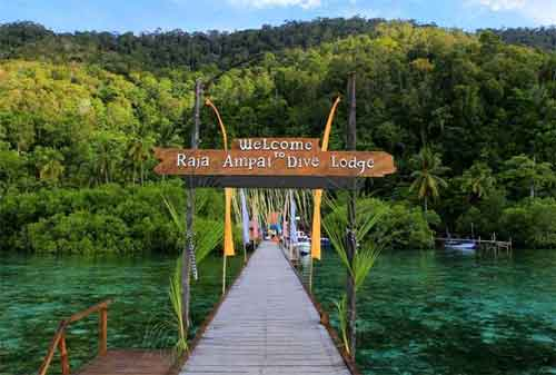 Pesona Indonesia Tempat Wisata Raja Ampat Papua Barat nan Memesona 02 - Finansialku