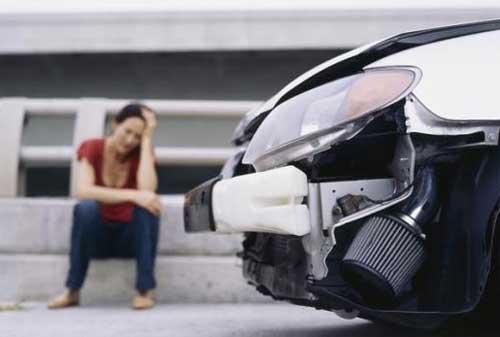 Risiko Kecelakaan Maut di Jalan Raya Pertimbangkan Asuransi Mobil Tanggung Jawab Hukum Pihak Ketiga 01 - Finansialku