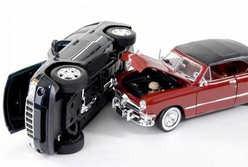 Risiko Kecelakaan Maut di Jalan Raya Pertimbangkan Asuransi Mobil Tanggung Jawab Hukum Pihak Ketiga 02 - Finansialku