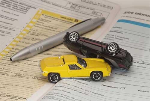 Risiko Kecelakaan Maut di Jalan Raya Pertimbangkan Asuransi Mobil Tanggung Jawab Hukum Pihak Ketiga 03 - Finansialku