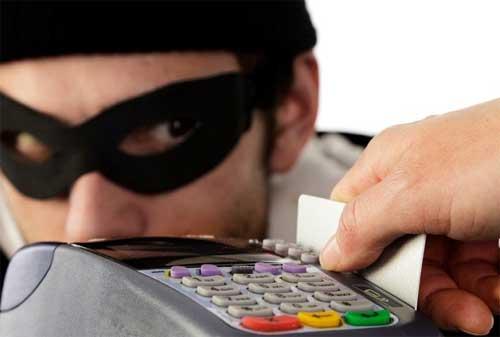 Waspadai Penipuan Kartu Kredit dan Bagaimana Cara Menghindari Penipuan Kartu Kredit 01 - Finansialku