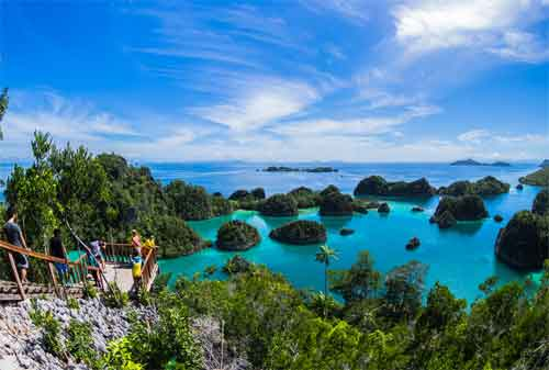 wisata murah berapa dana liburan ke raja ampat ala backpacker rh finansialku com