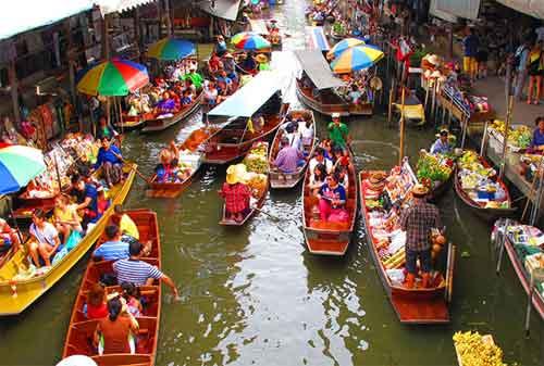 5 Pasar Terapung Paling Bagus di Dunia Ada Indonesia Juga Lho 07- Finansialku