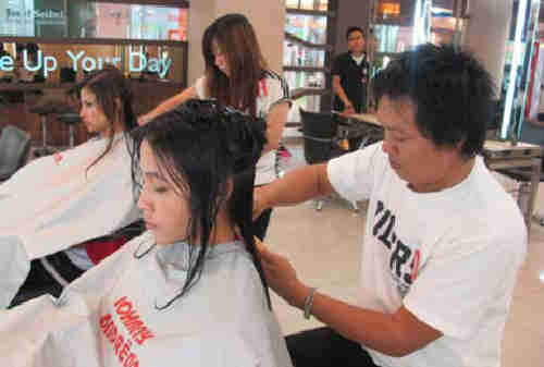 Kisah Sukses Johnny Andrean Pendiri J.Co, BreadTalk dan Johnny Andrean Salon 05 - Finansialku