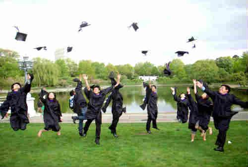 Lulus S1 Pilih Kerja atau Kuliah S2 Berapa Dana Yang Harus Disiapkan - Finansialku 01