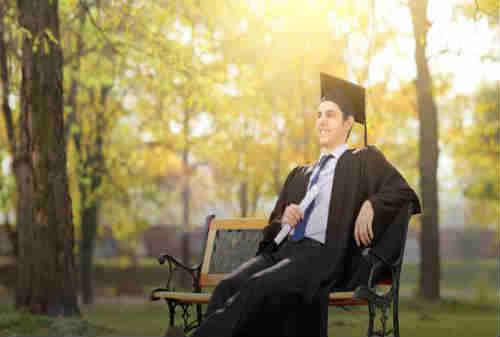 Lulus S1 Pilih Kerja atau Kuliah S2 Berapa Dana Yang Harus Disiapkan - Finansialku 03