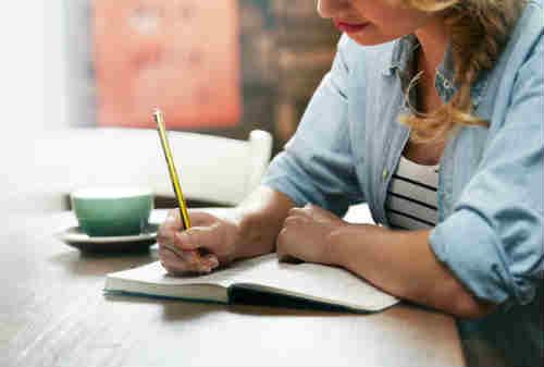 Pekerja Freelance Ini Cara Negosiasi dengan Klien Anda 02 - Finansialku