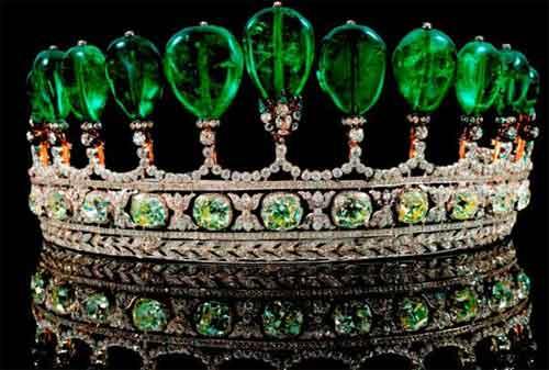 Perhiasan Termahal dan Termewah di Dunia, termasuk Gelang Emas 04 - Finansialku