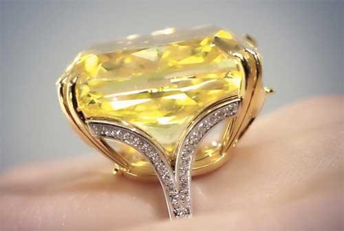 Perhiasan Termahal dan Termewah di Dunia, termasuk Gelang Emas 08 - Finansialku