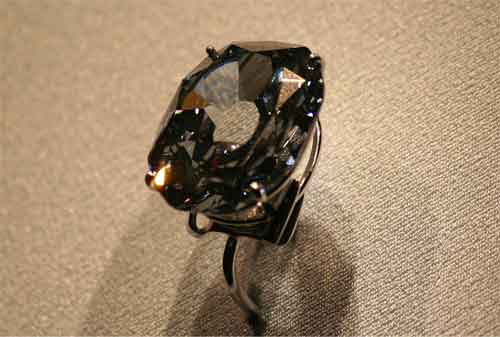 Perhiasan Termahal dan Termewah di Dunia, termasuk Gelang Emas 21 - Finansialku