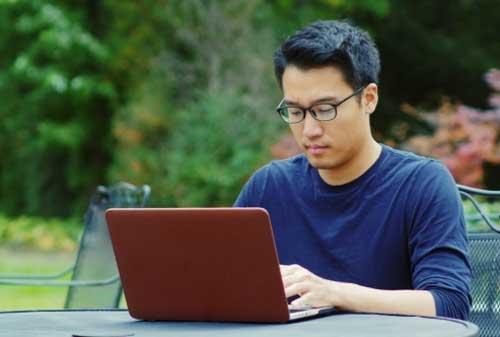 Apa Benar Gaji Anda Sudah Pas Cari Tahu di 5 Situs Cek Gaji Indonesia 01 - Finansialku