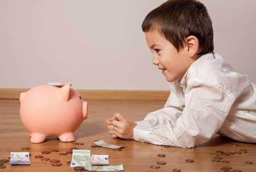 Bunda, Begini Lho Mengajarkan Cara Menabung ke Anak 02 - Finansialku