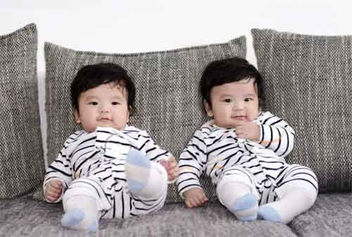 Moms Punya Bayi Kembar Berikut 7 Pengeluaran yang Harus Anda Waspadai dan Solusinya 01 - Finansialku
