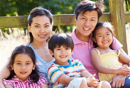 14 Cara Berpikir Positif di Keluarga yang Membuat Hubungan Kekeluargaan Makin Akrab 01 - Finansialku