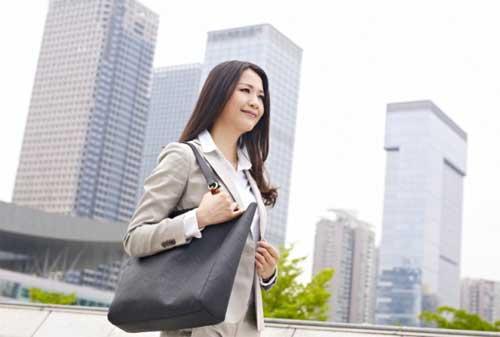 14 Cara Berpikir Positif di Tempat Kerja yang Perlu Kita Praktikkan 01 - Finansialku